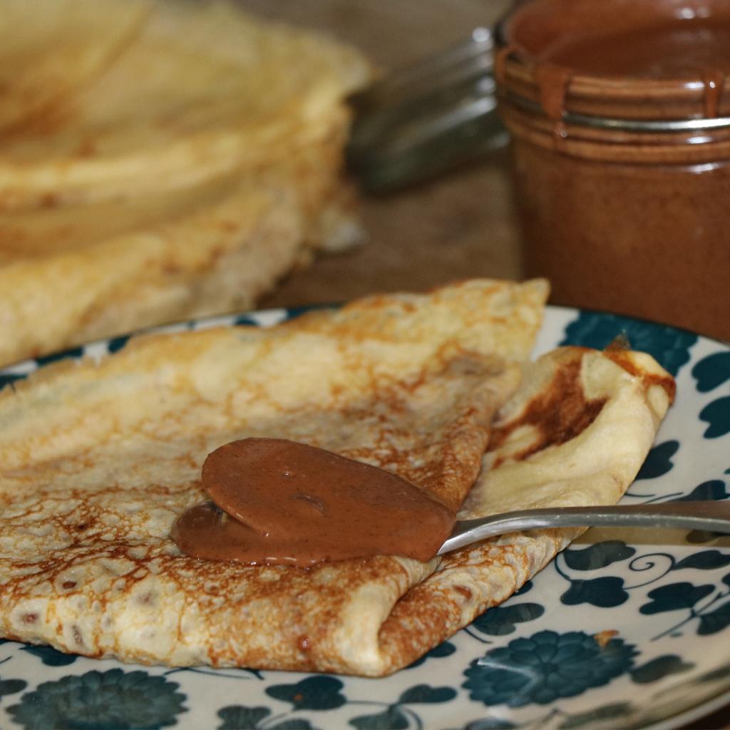 Recette de Crêpes & Pâte à Tartiner Chocolat au Lait & Noisettes