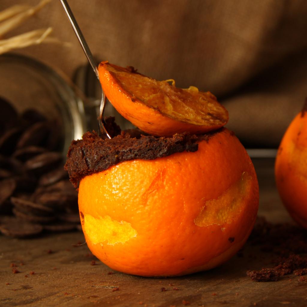 Moelleux au chocolat cuit dans une orange